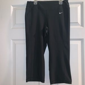 Black cropped running yoga leggings m Nike dri fit